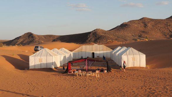 Crescere Girovagado_Marocco_accampamento nel deserto