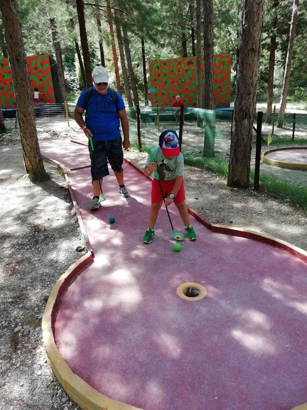 Crescere Girovagando_Activo Park_Scheggino_mini golf