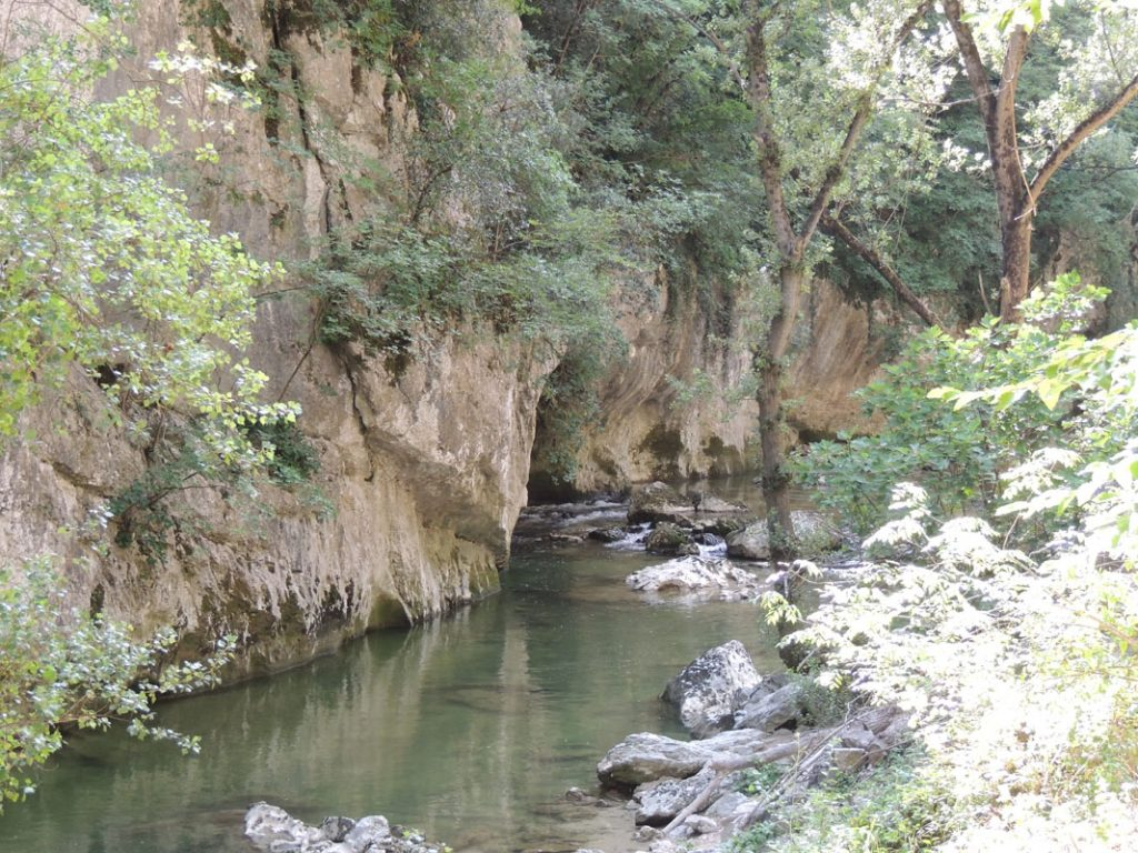 Grotte di Frasassi_fiume Santino